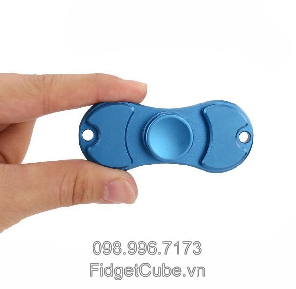 Fidget Spinner TBS Torqbar in hand (3)