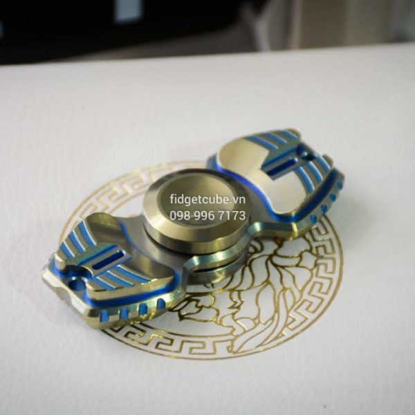 Armed Shark Spinner Titanium Brass (8)