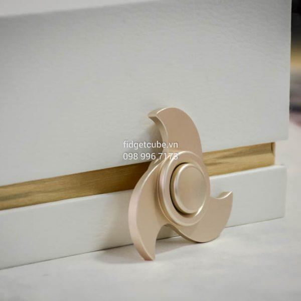 TSUNAMI Spinner 3 canh Gold (2)