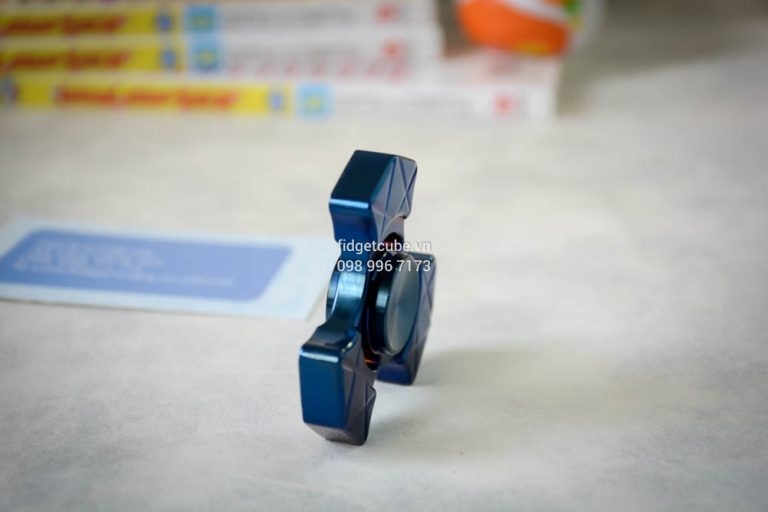 Trident Spinner Stainless Steel Blue (2)