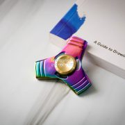 Trinity Spinner Multicolor Rainbow (1)